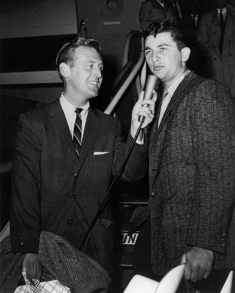 Interviewing the 1959 World Series hero after the team returns from a Game Six triumph over the Chicago White Sox.