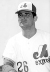 Pitched the first no-hitter in Montreal Expos history in 1969.